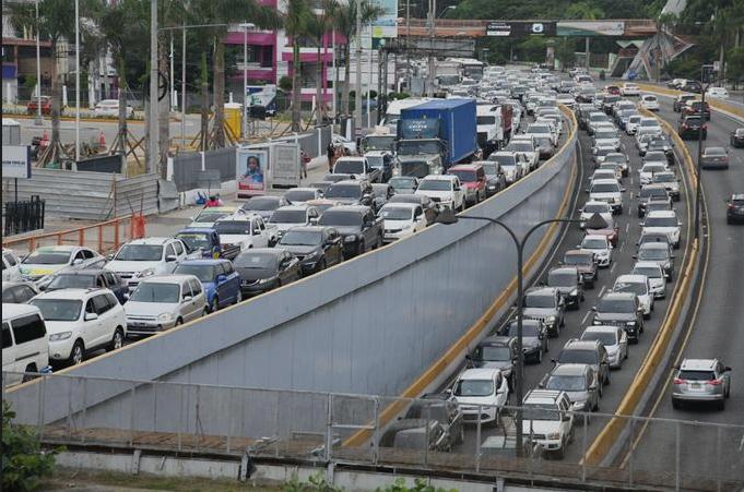El ruido del tráfico no solo daña los oídos, también a tu corazón