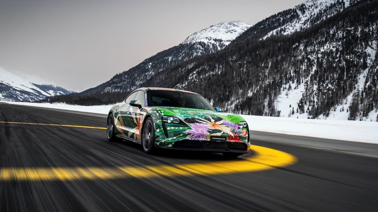 "No te pierdas al Porsche Taycan ""Art Car"" de Richard Phillips"