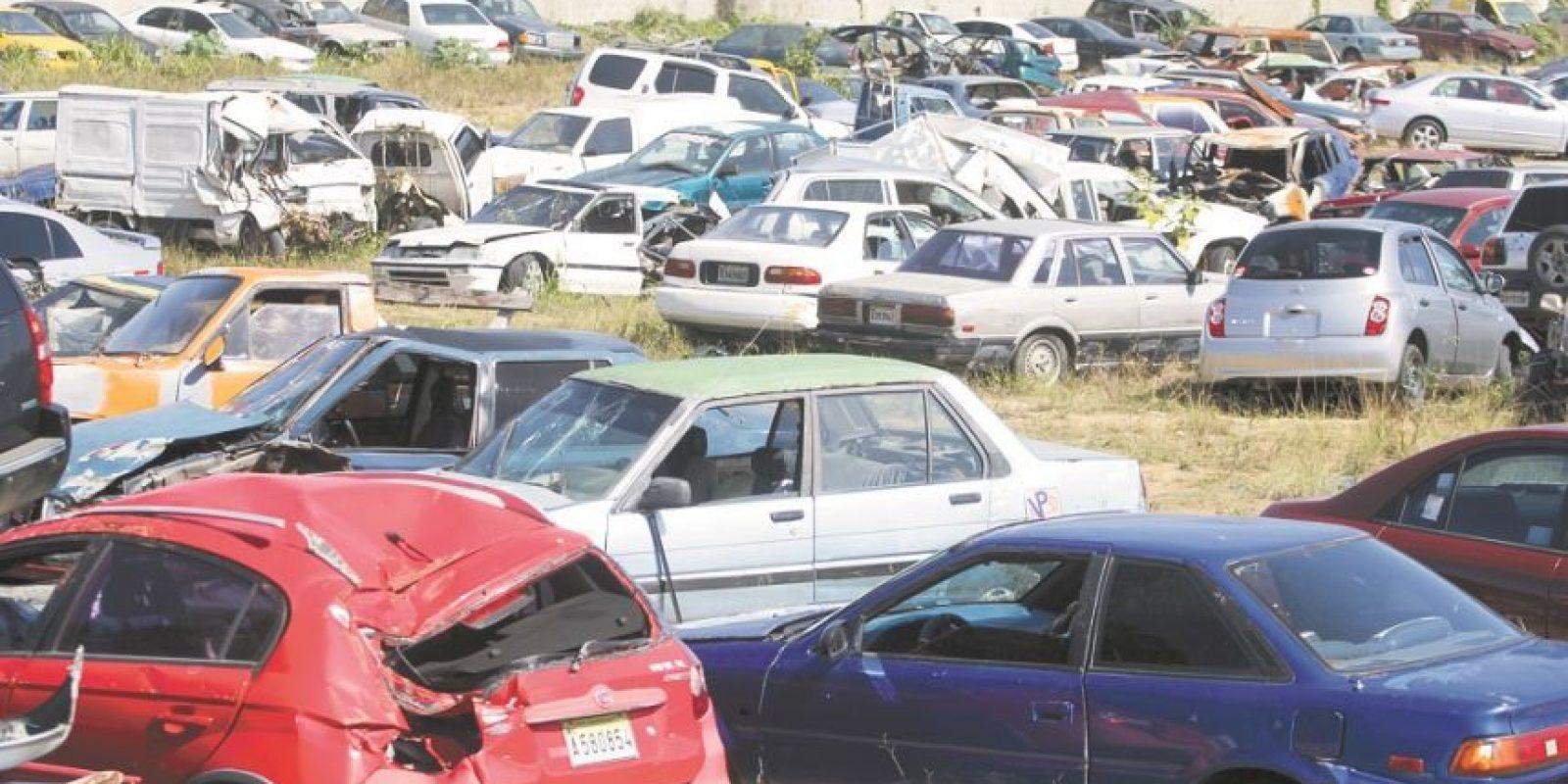 Más de 21,400 vehículos abandonados por multas elevadas en RD