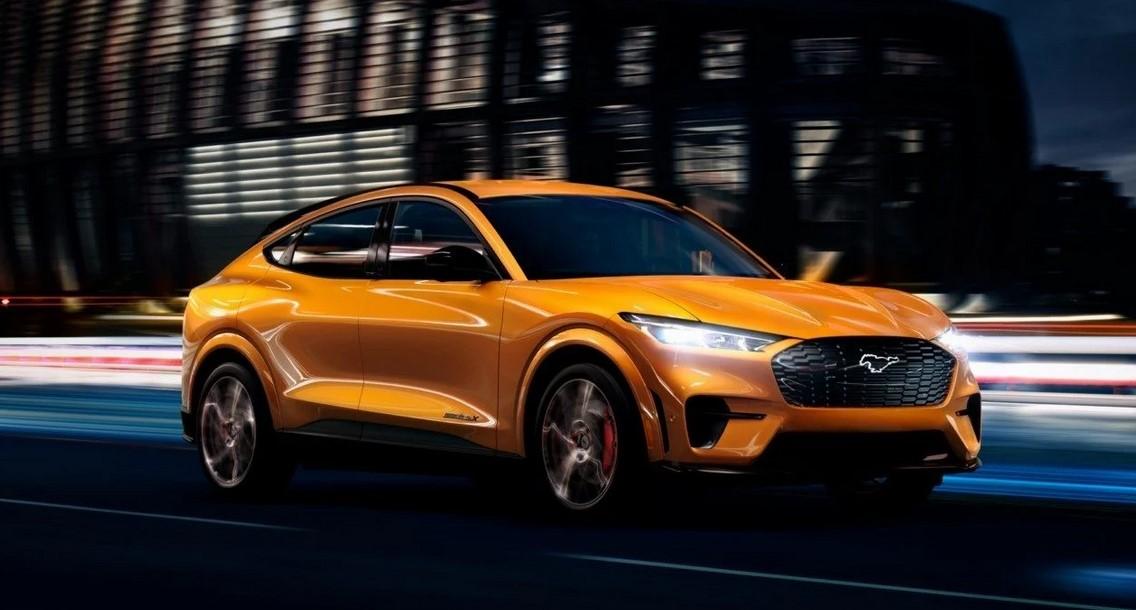 Ford fabrica más SUV eléctricos Mach-E que Mustang de gasolina