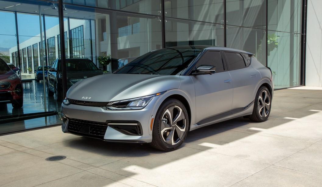KIA desvela el futurista EV6 eléctrico, primo hermano del IONIQ 5