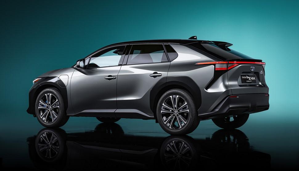 Toyota fabricará más vehículos eléctricos «solo» si existe demanda