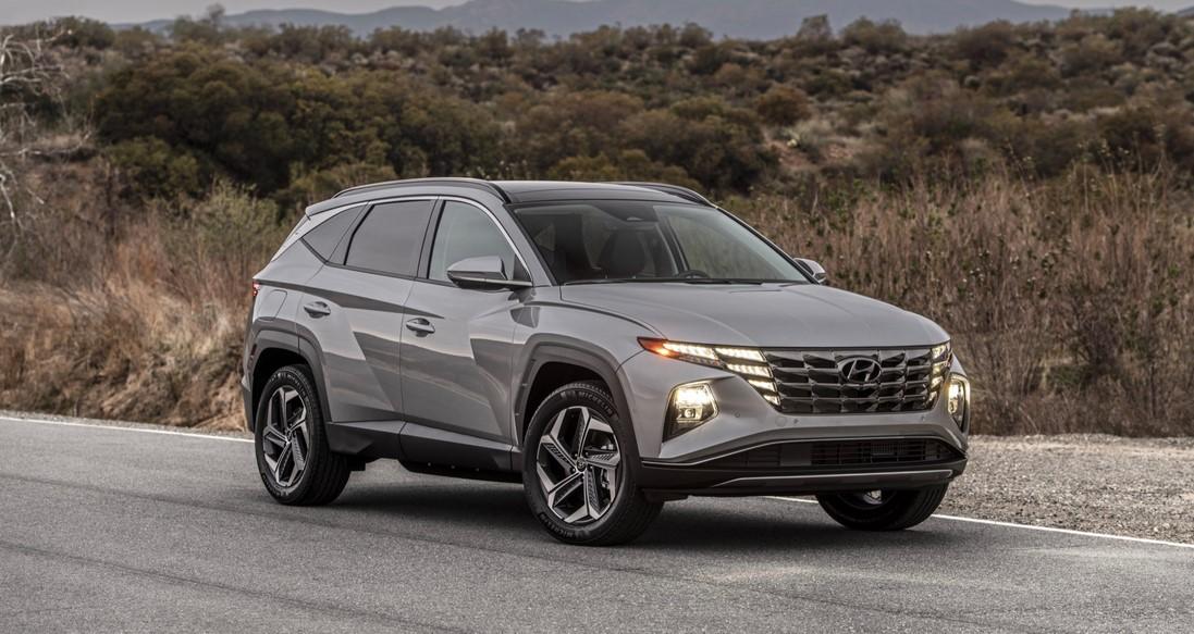 Precio del híbrido enchufable Hyundai Tucson 2022 debilita a Toyota RAV4 Prime