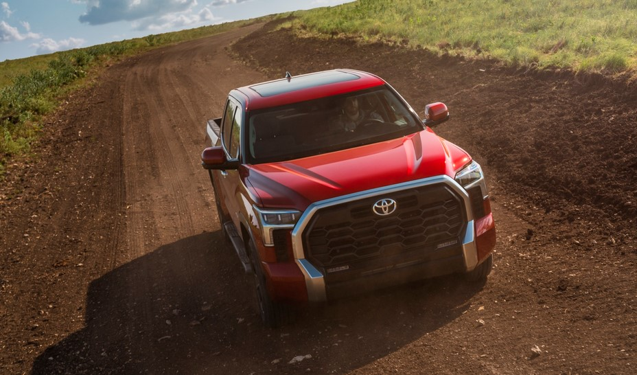 Toyota presenta su primera camioneta híbrida: la nueva Tundra 2022